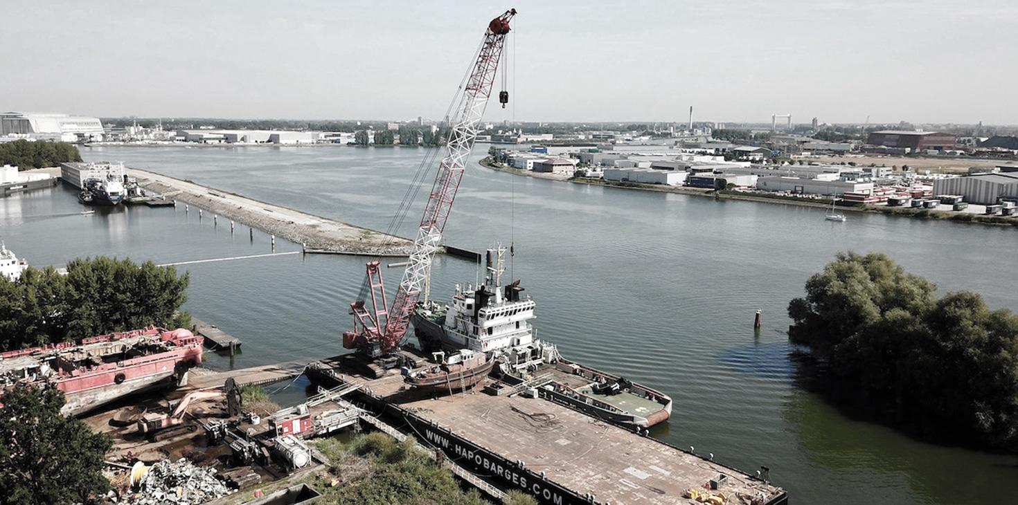 Hapo International Barges